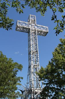 Free Giant Metal White Cross Against Blue Sky Royalty Free Stock Photos - 21209038