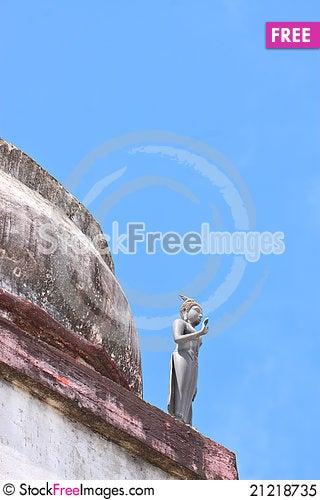 Free Budha Statue Standing  On Old Sa-tup Royalty Free Stock Photo - 21218735