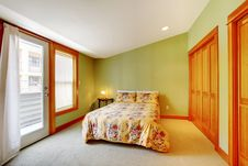 Free Green Bedroom With Golden Wood Royalty Free Stock Photo - 21210205