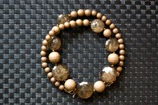 Free Circle Of Brown Necklace Stock Photography - 21210312
