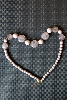 Free Pink Necklace In Heart Shape Royalty Free Stock Image - 21210356