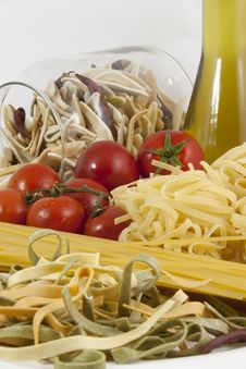 Free Pasta, Tomatos And Olive Oil Stock Photography - 21213232