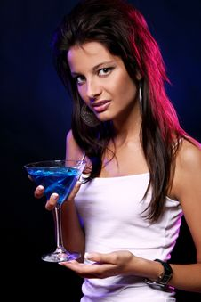 Free Young And Beautiful Woman In The Nightclub Royalty Free Stock Images - 21213409