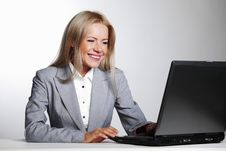 Free Business Woman Working On Laptop Stock Images - 21216234
