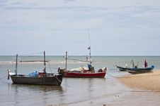 Free Fishing Boats And Sea In Thailand Stock Photography - 21219102