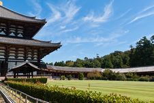 Free Todai-ji Temple Against Blue Sky Royalty Free Stock Images - 21221069