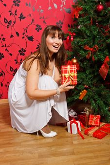 Free Young  Woman Near A Fir-tree Royalty Free Stock Images - 21222669