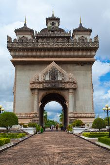 Free Patuxai Monument Royalty Free Stock Images - 21225729