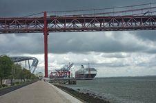 Free Bridge And The Port Stock Photo - 21227600