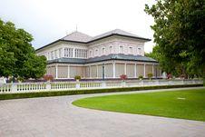 Free Pang-Pa-in Palace Royalty Free Stock Photo - 21227775