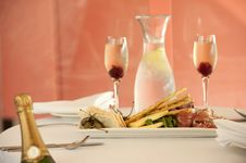 Free Restaurant Entree With Champagne Royalty Free Stock Images - 21228729