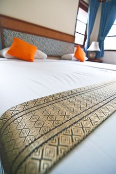Bedroom-Thai Silk Royalty Free Stock Photography