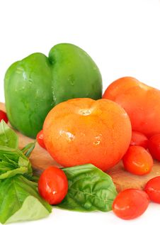 Free Fresh Tomatoes, Pepper And Basil Stock Photography - 21229492