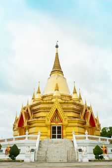 Free Golden Church At Wang Ma Now Temple Royalty Free Stock Photography - 21232517