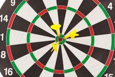 Free Yellow Darts Royalty Free Stock Images - 21238439