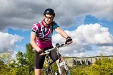 Free Man With Hismuontain-bike Royalty Free Stock Image - 21239226