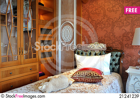 Free Closet And Bed Royalty Free Stock Images - 21241239