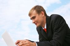 Free Businessman With Laptop Stock Photography - 21243472