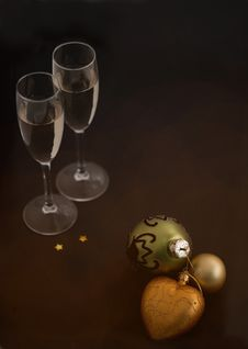 Free Christmas Balls And Glasses Stock Images - 21243834