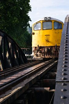 Free Yellow Train Royalty Free Stock Photo - 21248785