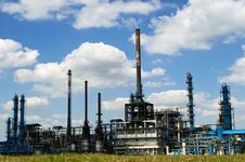 Free Oil Refinery Factory Royalty Free Stock Photos - 21251638