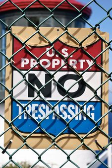 Free No Trespassing Sign Royalty Free Stock Photography - 21256317