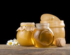 Free Jar Full Of Honey And Stick Stock Photography - 21258012