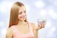 Free Beautiful Girl With Gift Box Royalty Free Stock Photo - 21265435