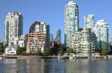 Free Vancouver BC Downtown Skyline At False Creek. Royalty Free Stock Photography - 21266847