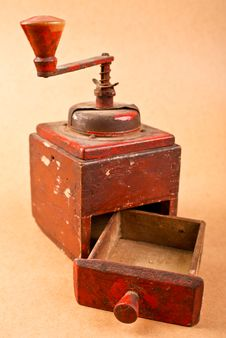 Free Old Red Coffee Mill Royalty Free Stock Images - 21268329