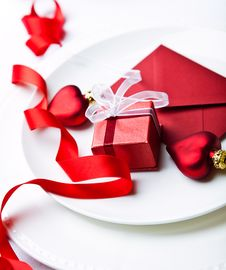 Free Christmas Place Setting And A Little Present Royalty Free Stock Photo - 21272745