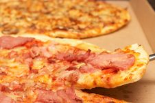Free Tasty Italian Pizza With Bacon And Cheese Stock Photography - 21273562