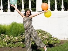 Free Joyful Pregnant Girl With Colorful Balloons Royalty Free Stock Photos - 21274488
