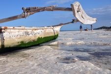 Free Boat On The Beach Of Zanzibar Stock Images - 21279054