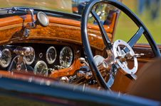 Free Automobile Dashboard Royalty Free Stock Image - 21280686