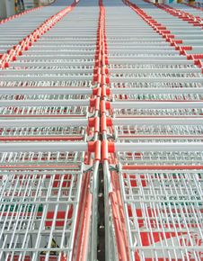 Free Row Of Shopping Cart Royalty Free Stock Photography - 21284277