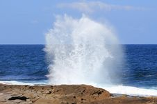 Free Ocean Wave Fountain At Rock Stock Image - 21285651