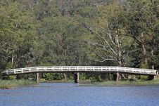 Free Old Wooden Bridge Over River In Australian Forest Stock Images - 21285694