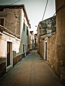 Free Narrow Mediterranean Street In Dalmatia Stock Image - 21286261