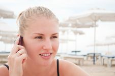 Free Woman Talking On The Phone Royalty Free Stock Images - 21288949