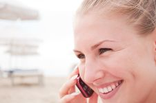 Free Woman Talking On The Phone Royalty Free Stock Photography - 21288997