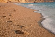 Free Steps On The Beach Royalty Free Stock Photography - 21289647