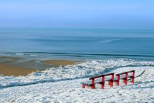 Free Atlantic Winter View And Red Benches Royalty Free Stock Photography - 21290157