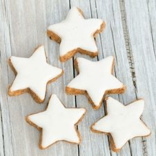 5 Cinnamon Biscuits Stock Photography