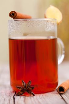 Free Red Tea With Cinnamon Sticks Royalty Free Stock Photography - 21292287