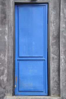 Free Blue Door And Grey Background Stock Photography - 21292572