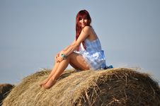 Free Girl Sit On Haystack Royalty Free Stock Images - 21292639