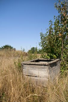 Free Abandoned Wooden Well Stock Photo - 21293080