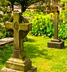 Free Ancient Graveyard Royalty Free Stock Photos - 21293328