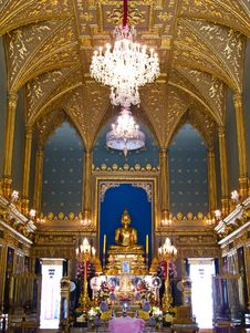 Free Golden Sculpture Of The Buddha Angkeeros , Bangkok Stock Photography - 21295272